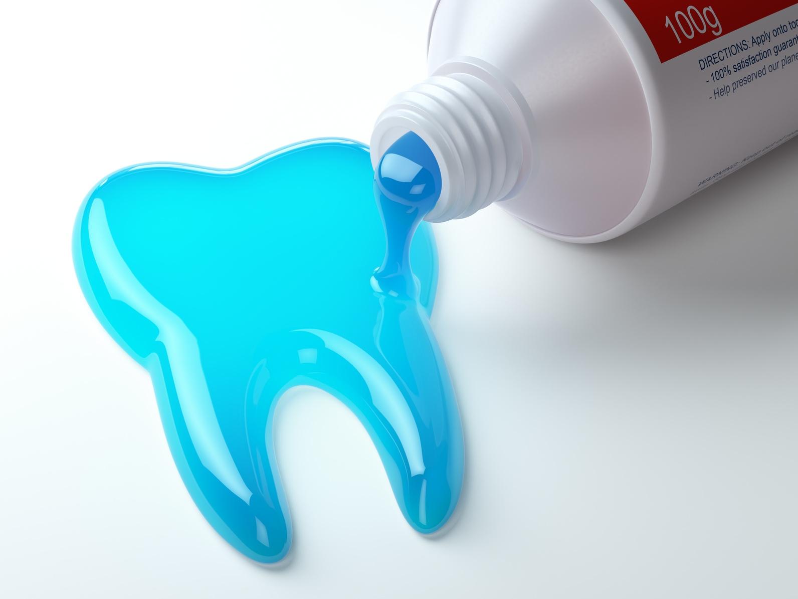 مراقبت از دندان و لثه فلوراید